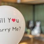 他の男性はどうしてる?プロポーズの時に指輪って絶対必要?
