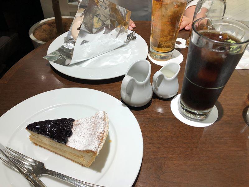ダイエット中なのにケーキなんて良いんですか?いーんです!